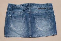 Προκλητική φούστα τζιν Στοκ Εικόνα