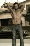 προκλητικός shirtless τύπων Στοκ φωτογραφία με δικαίωμα ελεύθερης χρήσης