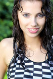 Προκλητικό θερινό κορίτσι στη βροχή Στοκ Φωτογραφία