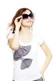 Προκλητικό κορίτσι με τα γυαλιά ηλίου Στοκ Εικόνες