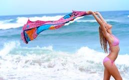 Προκλητικό bikini κορίτσι διακοπών Στοκ εικόνες με δικαίωμα ελεύθερης χρήσης