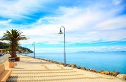 Προκυμαία περιπάτων στο Πόρτο Santo Stefano, Argentario, Τοσκάνη, Στοκ φωτογραφίες με δικαίωμα ελεύθερης χρήσης