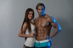 Προκλητικά τέλεια ABS Seductively Flaunting ζεύγους Στοκ φωτογραφία με δικαίωμα ελεύθερης χρήσης