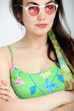 Προκλητική γυναίκα στα γυαλιά ηλίου Στοκ εικόνες με δικαίωμα ελεύθερης χρήσης