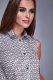 Προκλητική γυναίκα ύφους μόδας ιματισμού φορεμάτων ομορφιάς makeup Στοκ Εικόνα