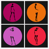 Προκλητική σκιαγραφία κοριτσιών που τίθεται στους χρωματισμένους κύκλους Στοκ φωτογραφία με δικαίωμα ελεύθερης χρήσης