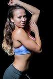 Προκλητικός αθλητής με την υγρή τρίχα Στοκ εικόνες με δικαίωμα ελεύθερης χρήσης