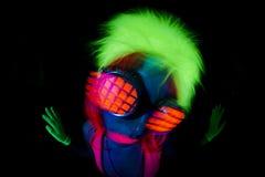 Προκλητικός χορευτής πυράκτωσης νέου UV Στοκ φωτογραφία με δικαίωμα ελεύθερης χρήσης