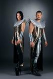 Προκλητικό ζεύγος των καυτών χορευτών που θέτουν στο στούντιο Στοκ Εικόνες