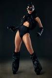 Προκλητικό θηλυκό στο μαύρο catwoman κοστούμι στοκ φωτογραφία με δικαίωμα ελεύθερης χρήσης