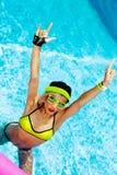 Προκλητικό κορίτσι στο καυτό ύφος θερινών RNB κομμάτων λιμνών Στοκ φωτογραφία με δικαίωμα ελεύθερης χρήσης