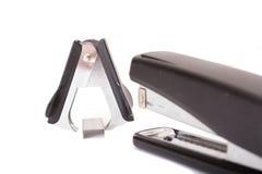 Προμήθειες γραφείων: stapler, βάσεις, ανεφοδιασμός Στοκ φωτογραφία με δικαίωμα ελεύθερης χρήσης