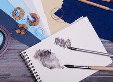 προμήθειες ζωγραφικής Στοκ φωτογραφία με δικαίωμα ελεύθερης χρήσης