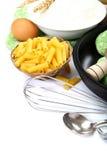 Προμήθειες και συστατικά για το ψήσιμο ή την παραγωγή των ζυμαρικών Στοκ Εικόνες