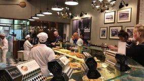 Προμηθευτής τροφίμων στον αερολιμένα της Λισσαβώνας απόθεμα βίντεο