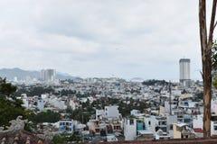 Προοπτική της πόλης Nha Trang από τη μακριά παγόδα γιων στο Βιετνάμ, Ασία στοκ εικόνα