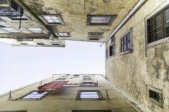 Προοπτική των παλαιών κτηρίων Στοκ εικόνες με δικαίωμα ελεύθερης χρήσης