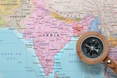 Προορισμός Ινδία, χάρτης ταξιδιού με την πυξίδα στοκ φωτογραφία με δικαίωμα ελεύθερης χρήσης