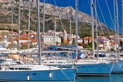 Προορισμός ναυσιπλοΐας προκυμαιών voda Baska στο riviera Makarska στοκ εικόνα με δικαίωμα ελεύθερης χρήσης
