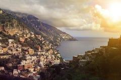 Προορισμός της πόλης sout Ιταλίας Positano δημοφιλέστερος διακινούμενος στοκ εικόνες