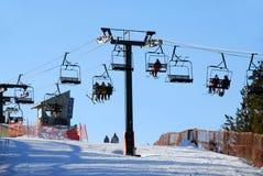 προς τα κάτω κάνοντας σκι Στοκ Εικόνες