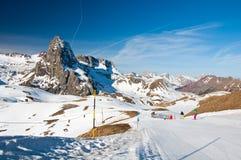 προς τα κάτω να κάνει σκι σκιέρ Στοκ Εικόνες