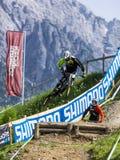 Προς τα κάτω ποδηλάτης σε UCI προς τα κάτω Στοκ Εικόνες