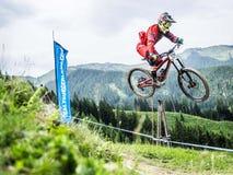 Προς τα κάτω ποδηλάτης σε UCI προς τα κάτω Στοκ εικόνα με δικαίωμα ελεύθερης χρήσης