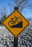 Προς τα κάτω σημάδι ποδηλάτων στοκ φωτογραφία με δικαίωμα ελεύθερης χρήσης