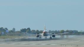 Προσγείωση προσέγγισης αεροπλάνων αεριωθούμενων αεροπλάνων αερογραμμών του Iberia φιλμ μικρού μήκους