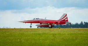 Προσγείωση της αεριωθούμενης τίγρης ΙΙ θλνορτχροπ φ-5E Στοκ εικόνες με δικαίωμα ελεύθερης χρήσης