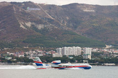 Προσγείωση των αεροσκαφών σε μια επιφάνεια του νερού Στοκ εικόνες με δικαίωμα ελεύθερης χρήσης