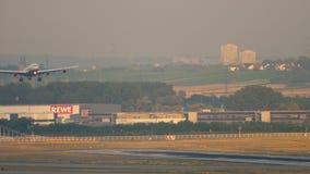 Προσγείωση airbus της Lufthansa A340 απόθεμα βίντεο