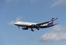 Προσγειωμένος εργαλείο επιβατηγών αεροσκαφών επιβατών a330 Στοκ φωτογραφίες με δικαίωμα ελεύθερης χρήσης