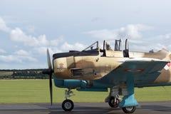 Προσγειωμένο WW2 πολεμικό αεροσκάφος Στοκ φωτογραφία με δικαίωμα ελεύθερης χρήσης