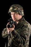 Προσεκτικός στρατιώτης με m16 στοκ φωτογραφία με δικαίωμα ελεύθερης χρήσης