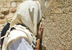 Προσευχή στο δυτικό τοίχο. Ιερουσαλήμ, Ισραήλ. Στοκ Εικόνα