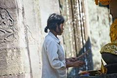 προσεύχεται τη γυναίκα Στοκ Εικόνες