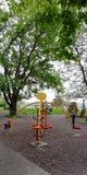 Προσομοιωτές στο πάρκο κοντά στο ανάχωμα της πόλης παραλιών r στοκ εικόνα