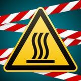 Προσοχή - κίνδυνος Καυτή επιφάνεια περισσότερο η προειδοποίηση σημαδιών σημαδιών χαρτοφυλακίων μου κίτρινο τρίγωνο με τη μαύρη ει διανυσματική απεικόνιση