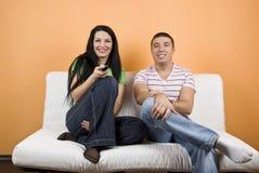 προσοχή TV ζευγών στοκ εικόνα με δικαίωμα ελεύθερης χρήσης