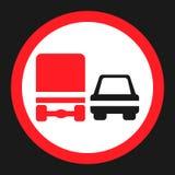 Προσπέραση της απαγόρευσης για το εικονίδιο σημαδιών απαγόρευσης φορτηγών διανυσματική απεικόνιση