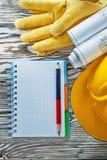 Προστατευτικό μολύβι σημειωματάριων σχεδιαγραμμάτων καπέλων γαντιών σκληρό Στοκ Εικόνες
