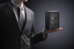 Προστατεύστε την αποταμίευση Στοκ εικόνα με δικαίωμα ελεύθερης χρήσης
