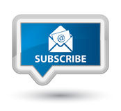Προσυπογράψτε (εικονίδιο ηλεκτρονικού ταχυδρομείου ενημερωτικών δελτίων) το πρωταρχικό μπλε κουμπί εμβλημάτων ελεύθερη απεικόνιση δικαιώματος