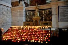 Προσφορές υπό μορφή κεριών στην καλή μητέρα Στοκ φωτογραφία με δικαίωμα ελεύθερης χρήσης