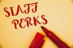 Προσωπικό Perks κειμένων γραφής Έννοια που σημαίνει τις λέξεις ρ μηνυμάτων InsuranceIdeas υγείας ανταμοιβών αποζημιώσεων επιδομάτ Στοκ Φωτογραφία