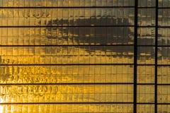 Προσόψεις καθρεφτών γραφείων παραθύρων στοκ φωτογραφία με δικαίωμα ελεύθερης χρήσης
