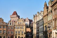 Προσόψεις των ιστορικών σπιτιών στο παλαιό τετράγωνο αγοράς Στοκ Εικόνα