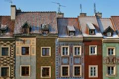Προσόψεις των ιστορικών σπιτιών στο παλαιό τετράγωνο αγοράς Στοκ Φωτογραφία